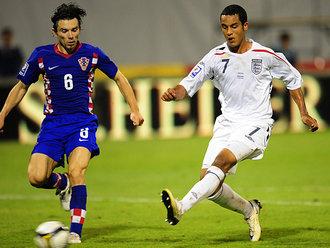 Theo_Walcott_hat-trick_goal_v_Serbia_2008
