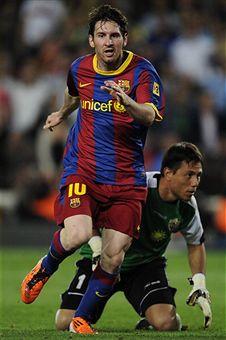 Lionel_Messi_v_UD_Almeria_April_9_2011