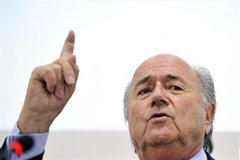 Sepp_Blatter_pointing_from_lectern_Geneva_March_2011