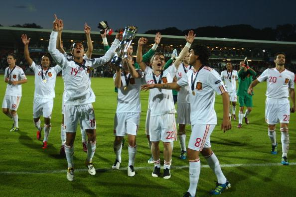 Spain_celebrate_under_21_championship_win