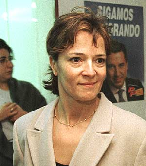 Miriam Blasco_head_and_shoulders