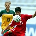 Thea Slayter_v_North_Korea_London_2012_qualifying_tournament