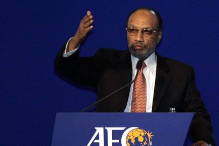 Mohamed Bin_Hammam_behind_AFC_stand