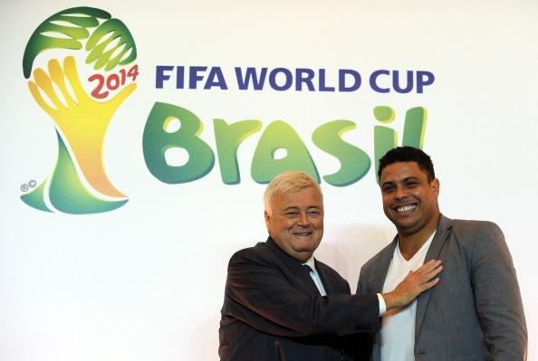 Ricardo Teixeira_and_Ronaldo_16-01-12
