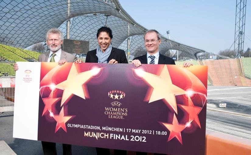 UEFA Ticket_Launch_GiantTicket_28-03-12