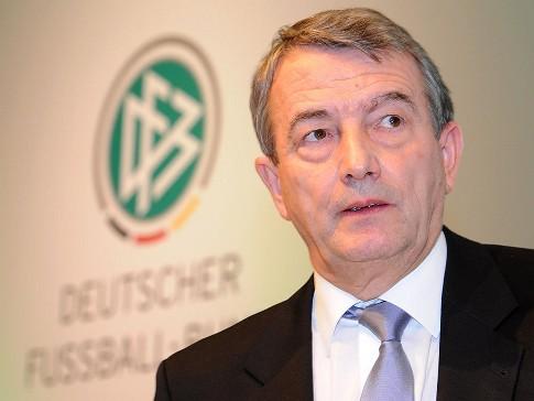 Wolfgang Niersbach_27-04-12