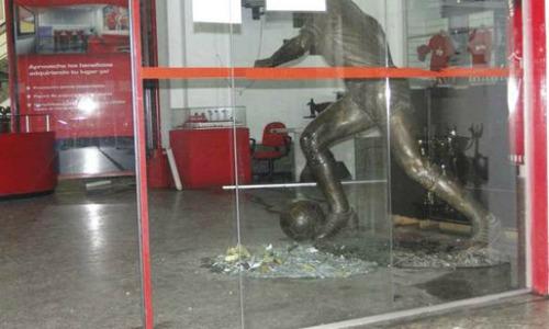 Independiente headquarters_bomb_22-08-12