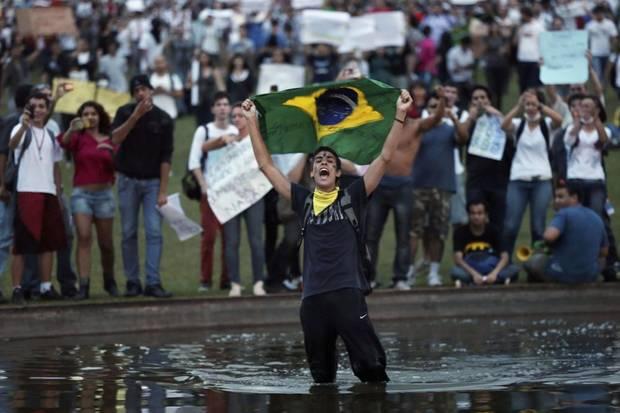 UMS053 BRAZIL PROTESTS