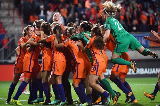 Dutch celebrate beating England