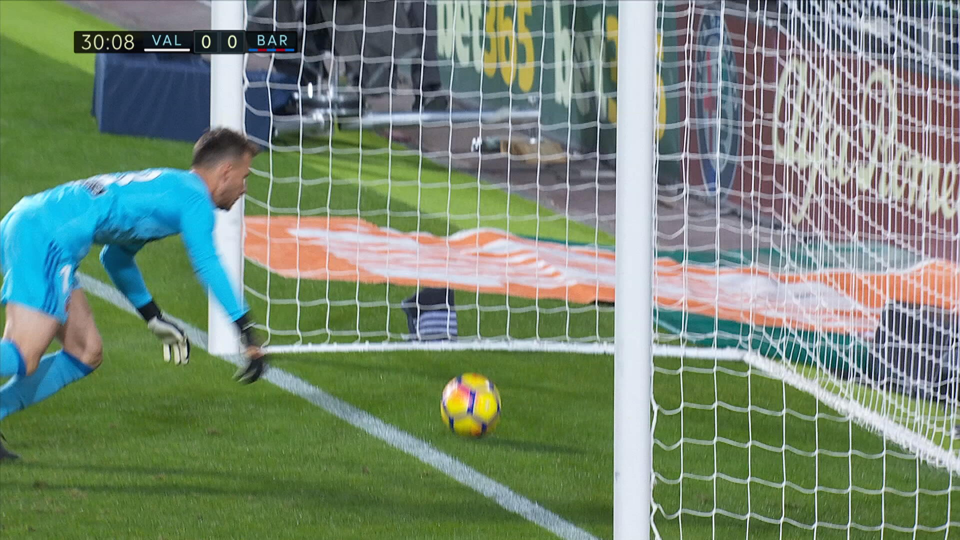 Valencia players accept Messi goal legit: Refs make mistakes