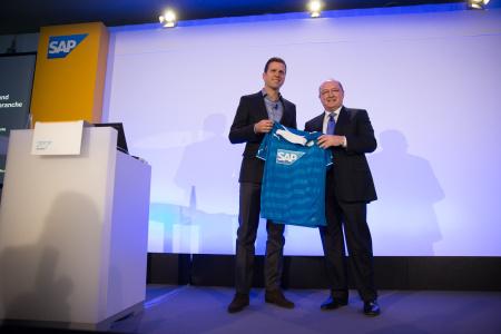 Oliver Bierhoff SAP Events Hoffenheim 2013 007 t450x300